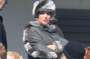 Angelina Jolie en mode beauté russe... elle a une classe folle !