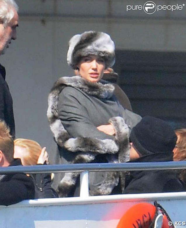 """Angelina Jolie sur le tournage de """"Salt"""", le 9 avril 2009, à New York !"""