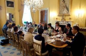 Barack Obama a rassemblé sa famille et ses proches pour le repas de la Pâque Juive... à la Maison Blanche ! Une grande première...