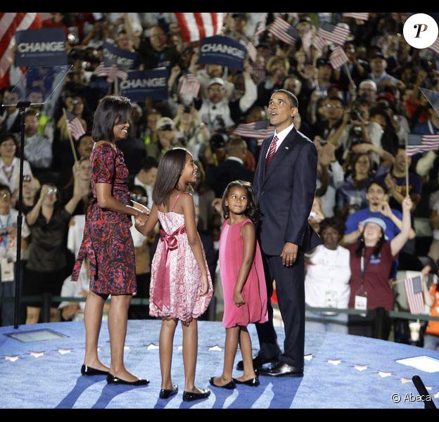 Barack Obama, son épouse Michelle et leurs filles Malia Ann et Sasha le 28 août 2008 à Denver