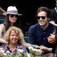 Le chanteur Vianney (Vianney Bureau) et sa compagne Catherine Robert dans les tribunes des internationaux de tennis de Roland Garros à Paris, France, le 3 juin 2018. © Dominique Jacovides - Cyril Moreau/Bestimage