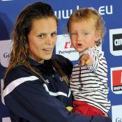 Laure Manaudou : Soleil et piscine pour un moment de détente avec sa fille Manon