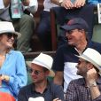 Julie Gayet et Woody Harrelson - People dans les tribunes des Internationaux de France de Tennis de Roland Garros à Paris. Le 9 juin 2018 © Cyril Moreau / Bestimage