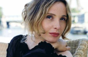 Julie Delpy dans la peau d'une comtesse assoiffée de sang... Regardez !
