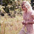 Chloë Grace Moretz pose pour la nouvelle campagne parfum de Coach