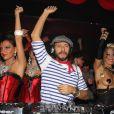 Exclusif - Le DJ Bob Sinclar mixe au Queen à Paris le 4 octobre 2015.