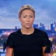 Anne-Sophie Lapix plongée dans le noir sur le plateau du Journal de 20 Heures le 2 juillet 2018 sur France 2.