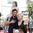 Hugh Jackman, sa femme et leurs enfants au Grauman's Chinese Theater, à Los Angeles. 22/04/09