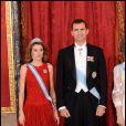 Letizia et Felipe d'Espagne reçoivent la présidente indienne et son époux, à Madrid. 21/04/09