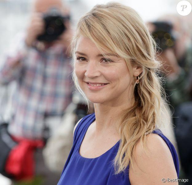 """Virginie Efira lors du photocall du film """"Le grand bain"""" au 71ème Festival International du Film de Cannes, le 13 mai 2018. © Borde / Jacovides / Moreau / Bestimage"""