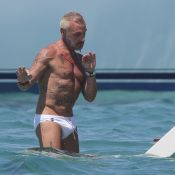 Gianluca Vacchi : Minislip et baignade en eaux turquoise pour le playboy