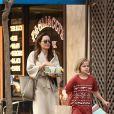 Exclusif - Angelina Jolie fait du shopping avec ses filles Vivienne et Sahara à Studio City le 11 mars 2018
