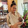 Chrissy Teigen en vacances : Elle tweete pendant un tremblement de terre