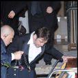 Javier Bardem quittant la soirée du mariage du couple Salma Hayek et François-Henri Pinault qui s'est déroulée à l'Opéra de Venise La Fenice le 25 avril 2009