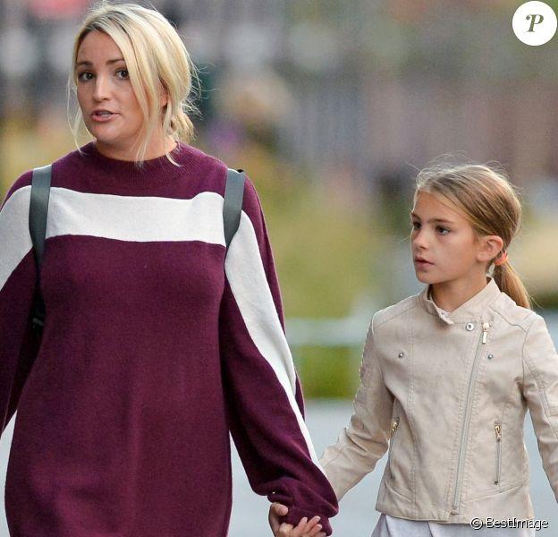 Exclusif - Jamie Lynn Spears et sa fille Maddie profitent de leur journée à New York le 1er octobre 2017.