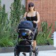 Exclusif - Eva Longoria avec son fils Santiago dans les rues de Los Angeles, le 9 aout 2018.
