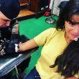 Selena Gomez chez le tatoueur. Août 2018.