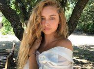 Emma Smet divine en bikini : Son petit air coquin séduit