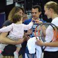 Amélie Mauresmo avec sa fille Ayla et Kristina Mladenovic à Aix-en-Provence pour la demi-finale de Fed Cup entre la France et les États-Unis. Twitter, le 20 avril 2018.