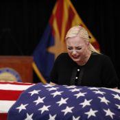 John McCain : Sa fille Meghan s'effondre au premier jour des funérailles