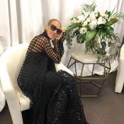 """Céline Dion, modeuse qui se prélasse, veut """"continuer à rêvasser"""""""