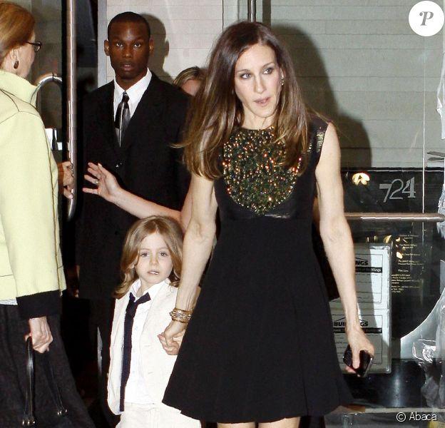 Sarah Jessica Parker et son fils James, deux gravures de mode à New-York le 30 avril