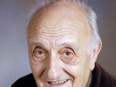 Pierre Tchernia récompensé pour ses 80 ans par Bertrand Delanoë