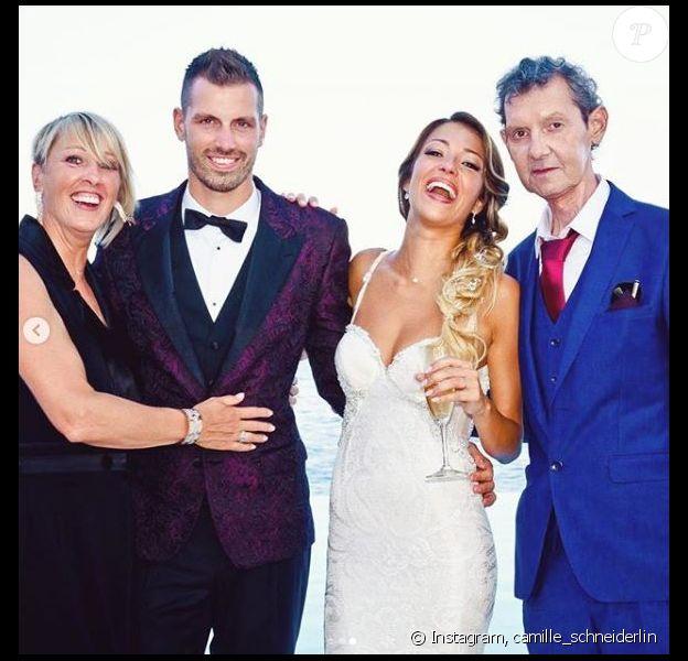 Morgan Schneiderlin entouré de ses parents lors de son mariage avec Camille Sold. Photo souvenir publiée sur Instagram le 16 septembre 2018.