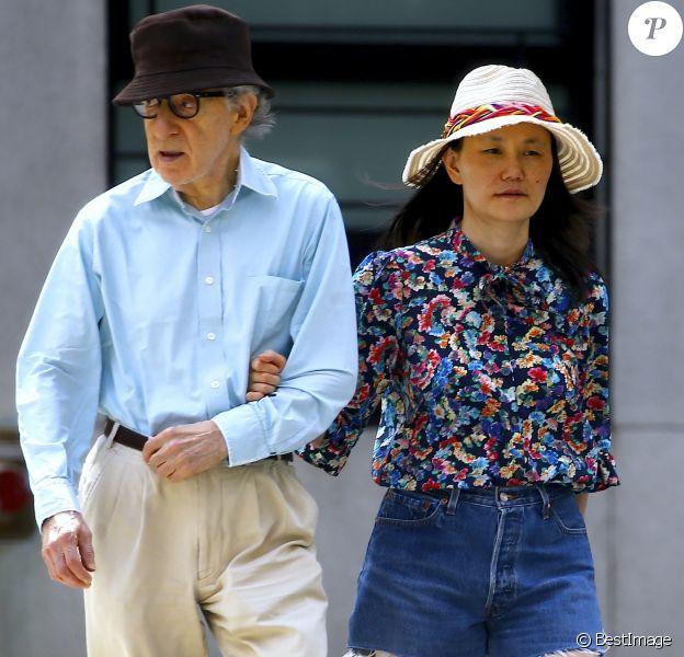 Woody Allen et sa femme Soon-Yi Previn se baladent sur Park Avenue dans New York le 12 Août 2018
