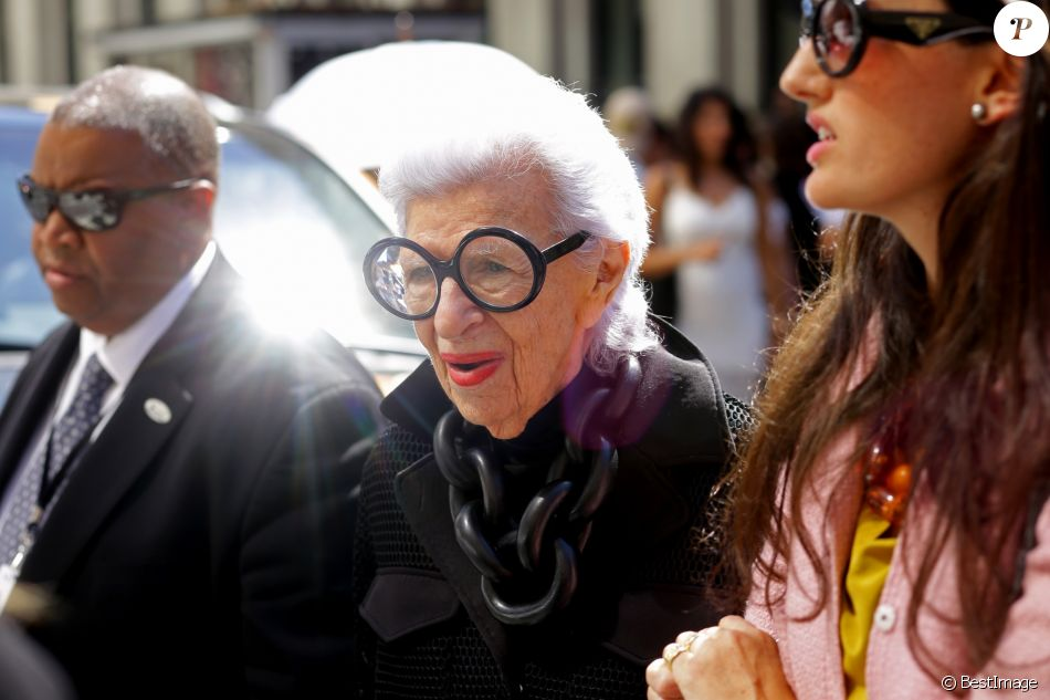 Iris Apfel - People à New York pendant la fashion week le 14 septembre 2016.