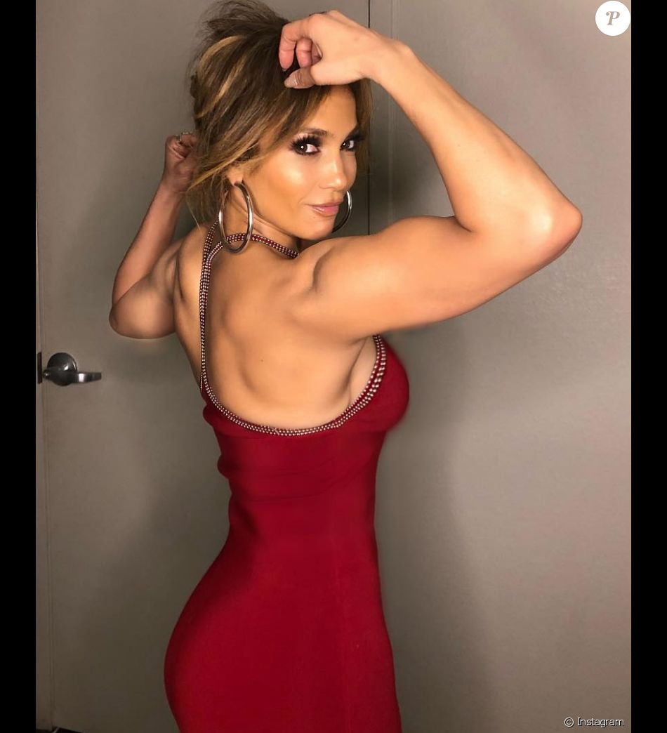 Jennifer Lopez exhibe fièrement sa musculature sur Instagram. Septembre 2018.