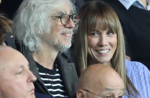 karine ferri et la femme de christian gourcuff entra neur de rennes lors du match psg rennes. Black Bedroom Furniture Sets. Home Design Ideas