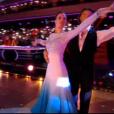 Iris Mittenaere et Anthony Colette sur un Foxtrot - Extrait de Danse avec les stars 9 diffusé samedi 13 octobre 2018 - TF1