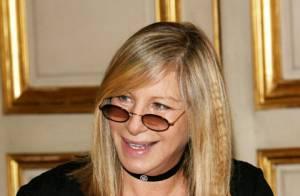 la collaboratrice de Barbra Streisand arrêtée pour possession de drogues et d'un gourdin-masse !