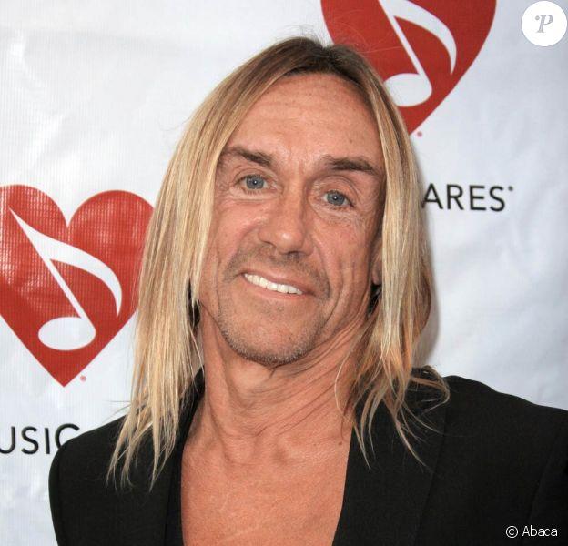 Iggy Pop a assisté hier à la soirée Musicares à Los Angeles, et a également chanté pour l'assistance