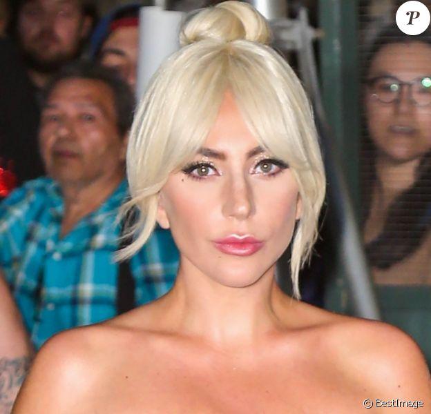 """Lady Gaga arrive sur le plateau de l'émission """"The Late Show With Steven Colbert"""" à New York, le 4 octobre 2018."""