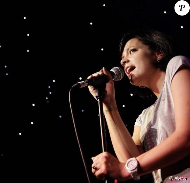 Lily Allen, égale à elle même en petit short et t-shirt large, était présente sur scène au Big Weekend festival, hier à Swindon, en Angleterre