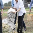 Meghan Markle et le prince Harry lors de leur visite de ferme Moutain view à Dubbo, en Australie, le 17 octobre 2018.