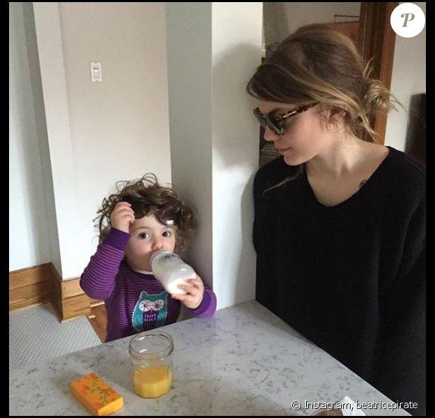 Coeur de Pirate a partagé cette photo d'elle et de Romy sur Instagram, le 16 octobre 2018