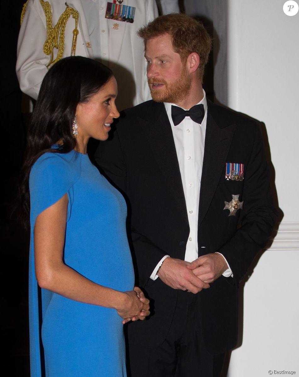 Le prince Harry, duc de Sussex, et Meghan Markle, duchesse de Sussex (enceinte) arrivent au dîner d'Etat donné en leur honneur à Suva, Îles Fidji le 23 octobre 2018. 23 October 2018.