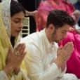 Nick Jonas et Priyanka Chopra en plein cérémonie Rokaà Mumbai le 18 août 2018.