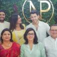 Nick Jonas et Priyanka Chopra avec leurs parents à Mumbai le 18 août 2018.