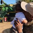 Travis Scott avec sa fille Stormi. Photo publiée sur Instagram le 24 octobre 2018.