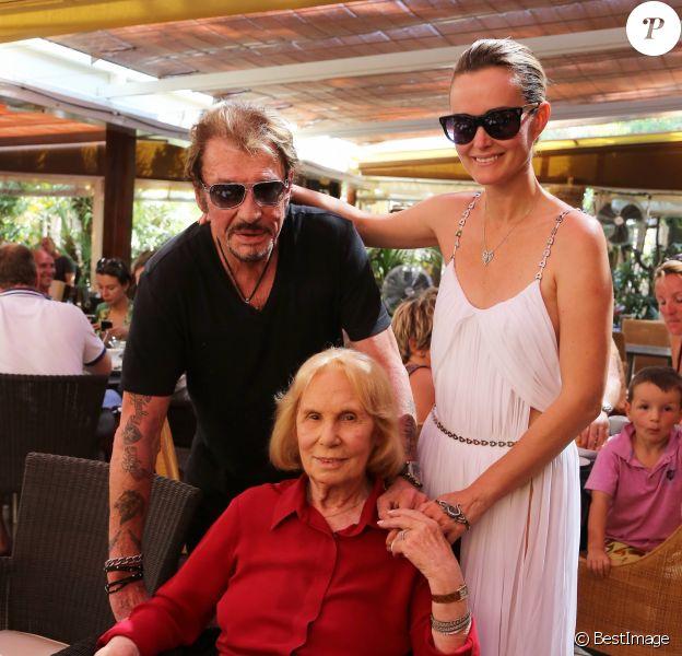 Exclusif - Marie Palmari avec Johnny et Laeticia Hallyday au restaurant Tahiti Plage à Saint-Tropez le 20 juillet 2012