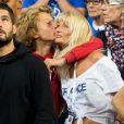 Joalukas Noah et sa mère Isabelle Camus lors du match opposant le joueur de tennis français Lucas Pouille, et le joueur espagnol Roberto Bautista Agut, lors de la Demi finale simple de la Coupe Davis de tennis France / Espagne, remportée par la France: (3-6, 7-6[5], 6-4, 2-6, 6-4) à Villeneuve-d'Ascq, France, le14 septembre 2018.