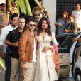 Priyanka Chopra et Nick Jonas prennent un vol à Bombay pour rejoindre leur lieu de mariage à Jodhpur, le Umaid Bhawan Palace le 29 novembre 2018