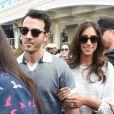 Kevin Jonas et sa femme Danielle Jonas - Les invités et la famille du mariage de Priyanka Chopra et Nick Jonas arrivent à l'aéroport de Jodhpur, Inde le 29 novembre 2018.