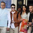 Nick Jonas et sa fiancé Priyanka Chopra, accompagnés par son frère Joe Jonas et sa fiancé Sophie Turner arrivent à l'aéroport de Jodhpur en Inde, le 28 novembre 2018.