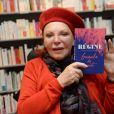 """Exclusif - Régine dédicace son livre """"Gueule de Nuit"""" à la librairie Albin Michel à Paris, le 21 novembre 2018. © Ramsamy Veeren/Bestimage"""