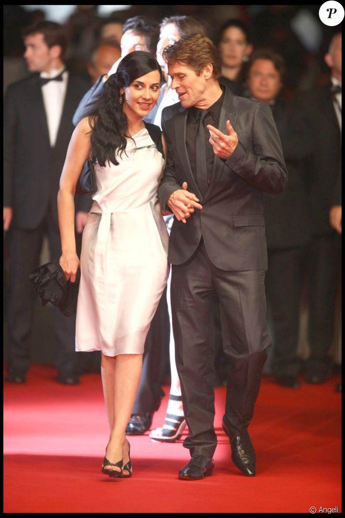 Willem dafoe et sa femme giada colagrande arrivent pour la projection d 39 antichrist au palais des - Surprise pour sa copine ...